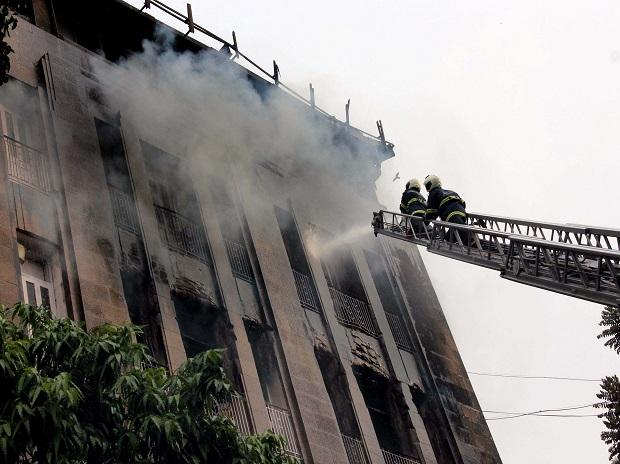 A fire broke out in Scindia House in Mumbai