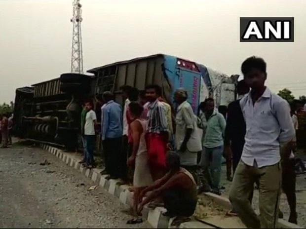 mainpuri bus accident, uttar pradesh