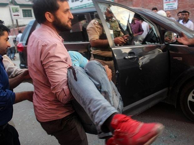 Rising Kashmir Editor shot and killed in Srinagar, media fraternity shocked