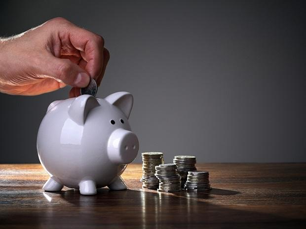 Investments in small savings schemes rise to Rs 1.55 trillion in 2017-18