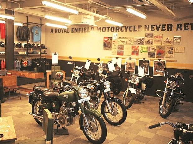 Eicher Motors nears 52-week low on weak December sales; down 12% in 2 days