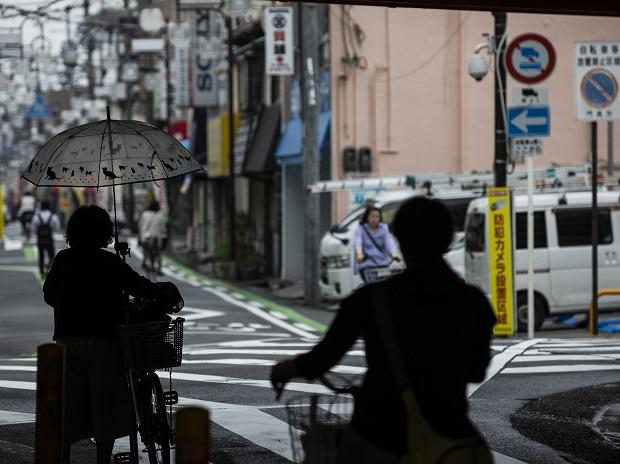 Prime Minister Shinzo Abe has encouraged women to