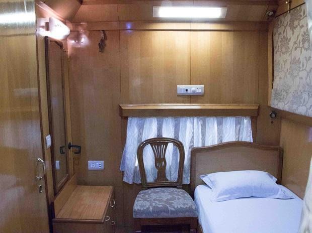 luxury coaches, indian coaches, indian railways