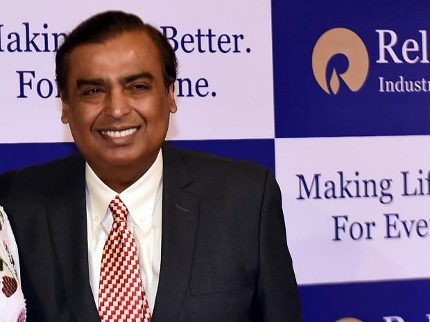 Mukesh Ambani arrives for the 41st AGM of Reliance Industries Ltd at Birla Matoshree, in Mumbai on  05th, July,2017- KAMLESH PEDNEKAR