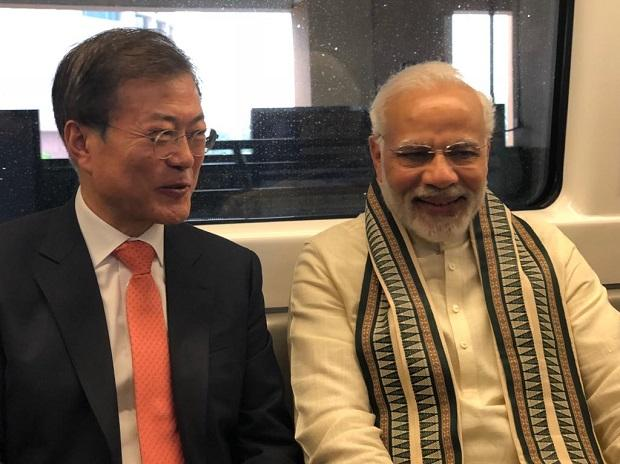 PM Narendra Modi, South Korean President Moon Jae-in , noida metro, samsung factory, Delhi Metro, Yamuna Bank metro station