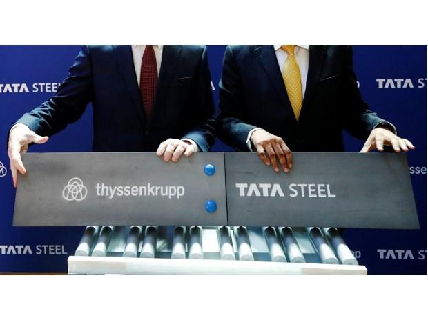 ThyssenKrupp CEO Hiesinger and Tata Steel's  Chairman Chandrasekaran pose at a joint news conference after signing a final agreement in Brussels Photo: Reuters