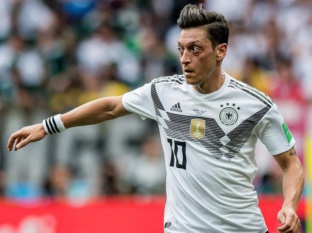 Mesut Ozil says he won't play for Germany