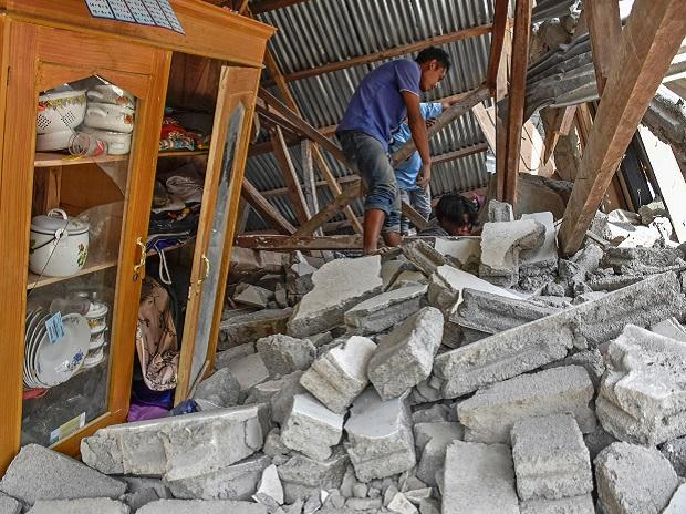 At least three dead after quake strikes Indonesia holiday island