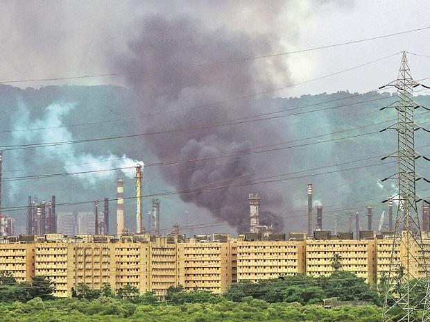 Fire broke out at the Bharat Petroleum refinery after an explosion, in Chembur, Mumbai. Photo: PTI