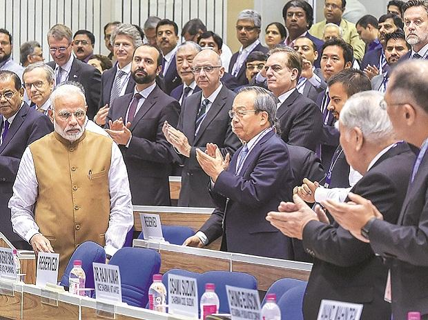 Prime Minister Narendra Modi with delegates at the  'Move Global Mobility Summit', organised by NITI Aayog, in New Delhi | Photo: PTI
