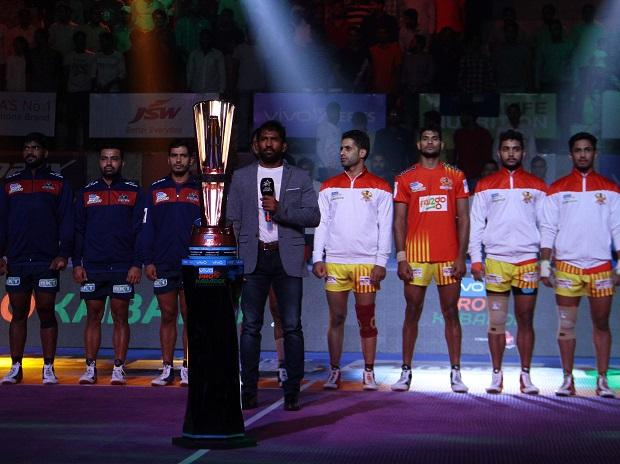 PKL 2018- Haryana Steelers vs Monu Goyat