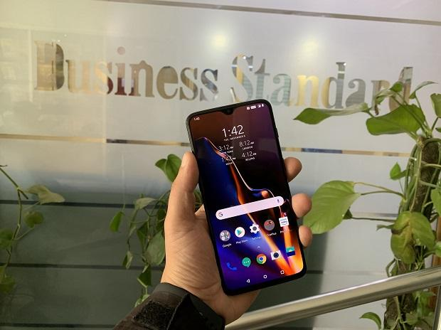 OnePlus 6T review, oneplus 6t price in india, oneplus 6t amazon, oneplus 6t specification, oneplus 6 features, battery capacity of OnePlus 6T, thunder purple oneplus 6t