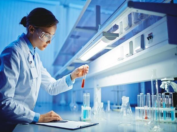 Women scientist