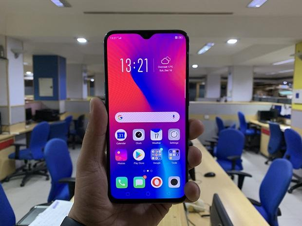 Oppo R17 Pro review: Twin to the OnePlus 6T, born with