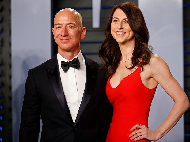 Jeff Bezos with MacKenzie. Photo: Reuters