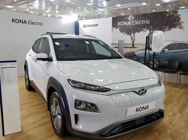 hyundai seeks incentives infra support from govt for electric vehicles business standard news. Black Bedroom Furniture Sets. Home Design Ideas