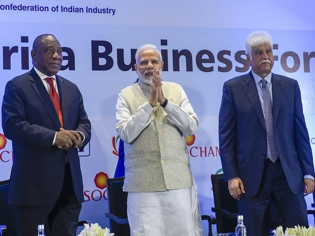 PM Modi, Cyril Ramaphosa and CII President Rakesh Bharti Mittal during the India-South Africa Business Forum meeting