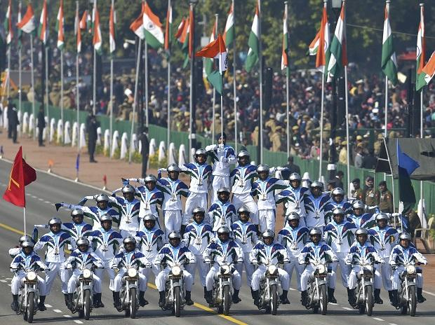33 Dare Devils of Indian Army's Crops of Signals Motor Cycle team display their skills on nine motorcycles