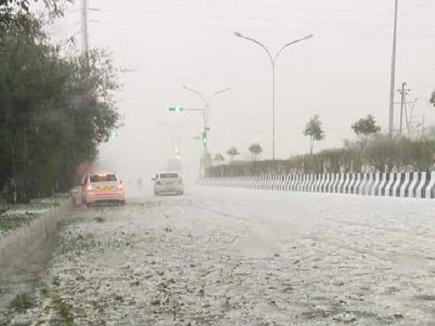 The meteorological department had predicted thundershowers along with hail in the national capital.