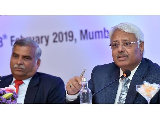 (L to R) Rajeev Sharma, CMD, Power Finance Corporation, and Arun Kumar Verma, Joint Secretary, Ministry of Power