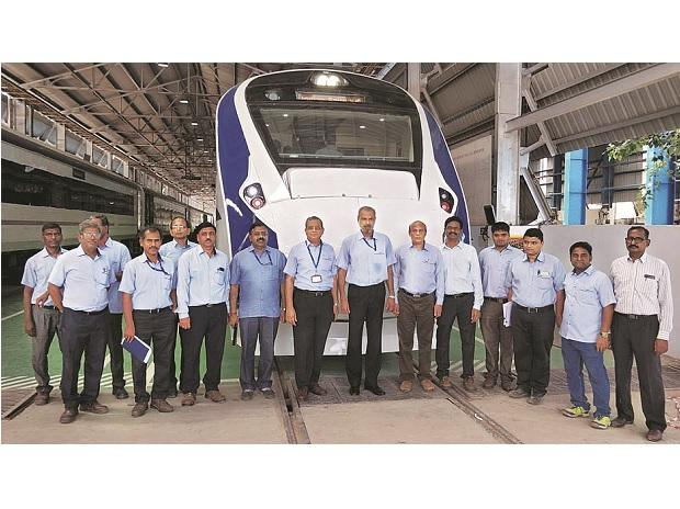 Sudhanshu Mani (seventh from right), former general manager at Integral Coach Factory, with the team that made Train 18
