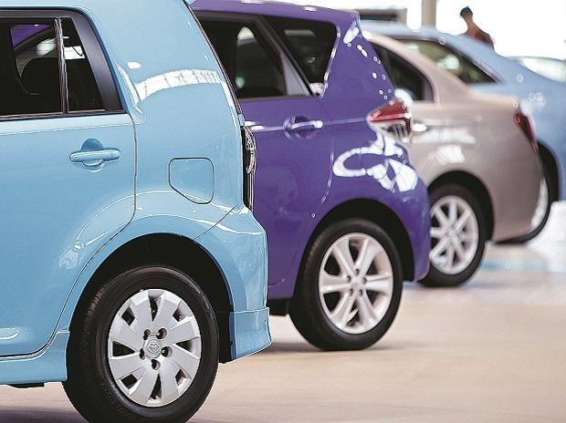 Vehicle sales fall for 9th consecutive month, 31% drop in July