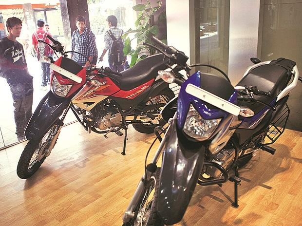 Two-wheeler sales continue to skid in February amid high inventory