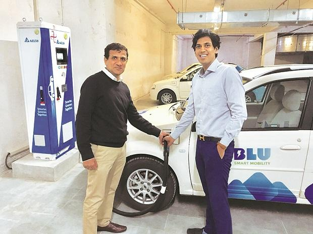 Punit Goyal (right), co-founder, Blu Smart, with Gaurav Trivedi, general manager and fleet head Photo: Company