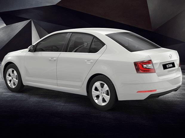 Skoda Octavia Corporate Edition comes with a set of 16-inch alloy wheels