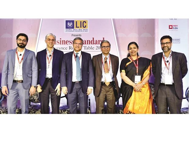 (From left) Varun Dua, Anuj Gulati, Bhargav Dasgupta, Tamal Bandyopadhyay,  Alice Vaidyan, and Neelesh Garg at the Business Standard Insurance Round Table 2019 in Mumbai| Photo: Kamlesh Pednekar