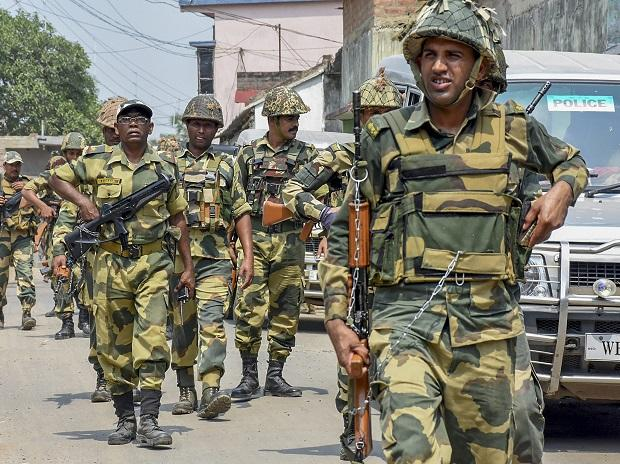 BSF personnel conduct march as part of security measures ahead of the fourth phase of Lok Sabha polls, in Murshidabad | Photo: PTI