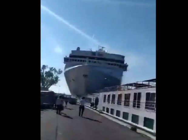 Cruise ship crashing into a dock | Credits: EHA news