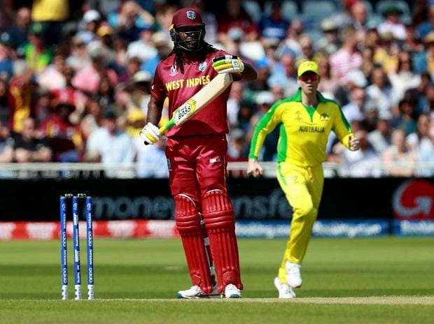 Chris Gayle asks for review after being given lbw out