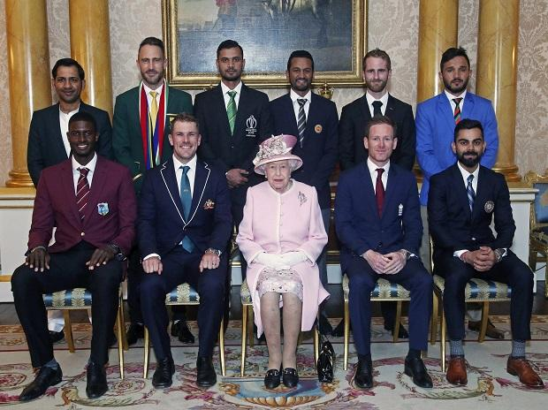 Captains of teams participating in ICC World Cup 2019 pose with Queen Elizabeth II ahead of the tournament