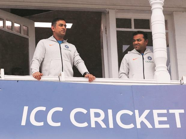 BCCI drops MS Dhoni from central contracts list