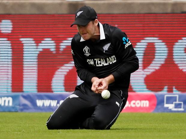 New Zealand's Lockie Ferguson drops a catch from South Africa's Rassie van der Dussen