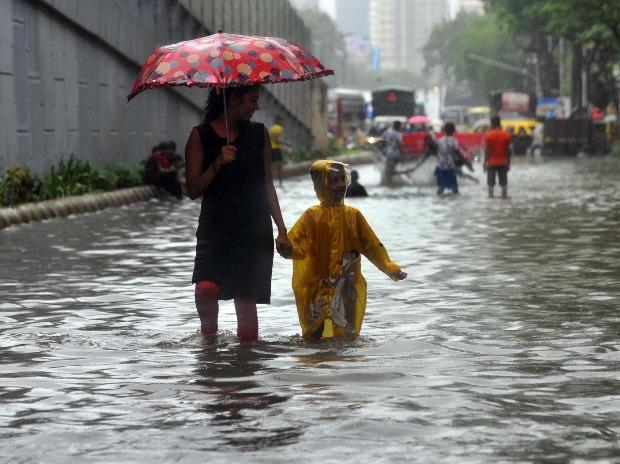 Mumbai rains (BS photo by Kamlesh Pednekar)