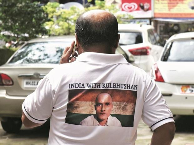 A man sports 'India with Kulbhushan' T-shirt in Mumbai | Photo: KAMLESH PEDNEKAR