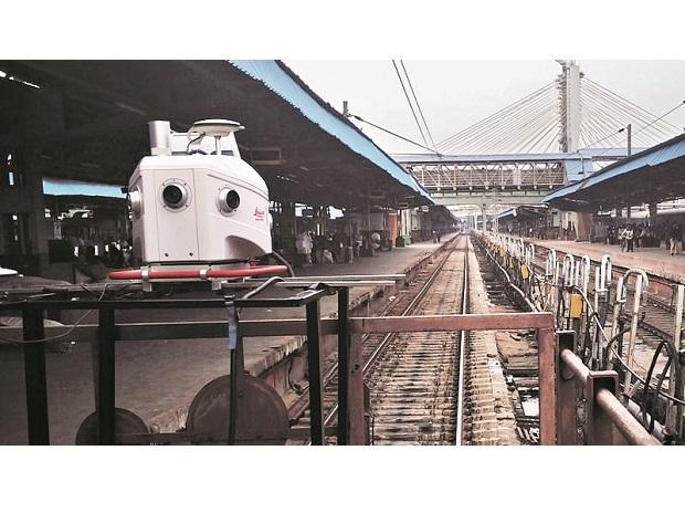 Thousands of railwaymen patrol the tracks every day to manually check every nut and bolt for defects | credit: www.mygoodland.com