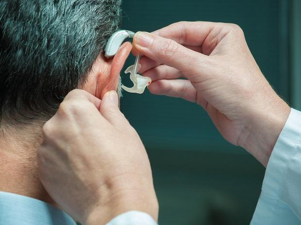 Middle-age hearing loss may be associated with dementia: Research