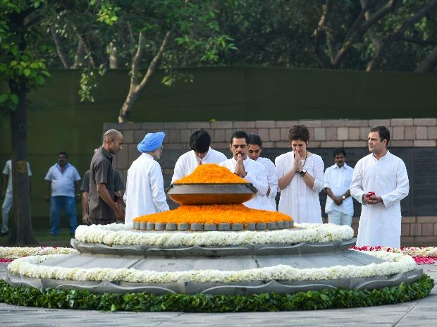 Congress General Secretary Priyanka Gandhi Vadra and her husband Robert Vadra pay tribute to former prime minister Rajiv Gandhi at Veer Bhumi, in New Delhi
