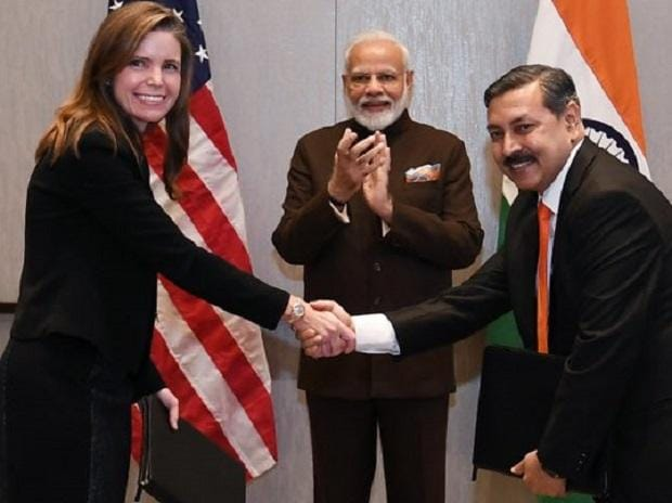 Signing of MoU between Tellurian and Petronet LNG in PM Modi's presence