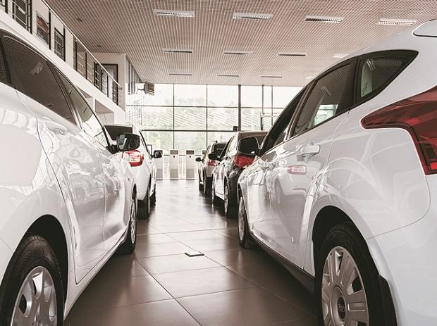 Auto sector is in transition phase, no threat of job losses: Govt in RS