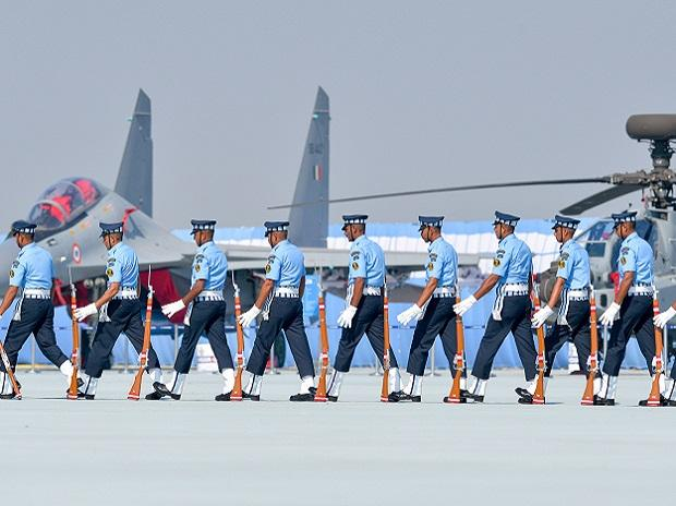 Ghaziabad: IAF personnel perform a drill with rifles during the 87th Indian Air Force Day celebrations at Hindon Airbase, in Ghaziabad, Oct. 8, 2019. (PTI Photo/Vijay Verma) (