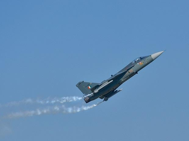 Ghaziabad: IAF aircraft 'Tejas' performs during the 87th Indian Air Force Day celebrations at Hindon Airbase, in Ghaziabad, Tuesday, Oct. 8, 2019. (PTI Photo/Vijay Verma) (