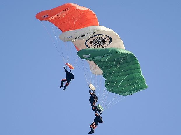 Ghaziabad: Indian Air Force's (IAF) Akash Ganga team demonstrate their skills during the 87th Indian Air Force Day celebrations at Hindon Airbase, in Ghaziabad, Oct. 8, 2019. (PTI Photo/Vijay Verma)(