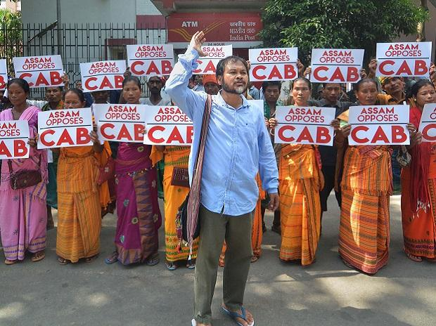 Guwahati: Krishak Mukti Sangram Samiti Adviser Akhil Gogoi with KMSS members protest against the proposed Citizenship Amendment Bill 2016 in Assam, in Guwahati, Friday, Oct. 11, 2019. (PTI Photo) (