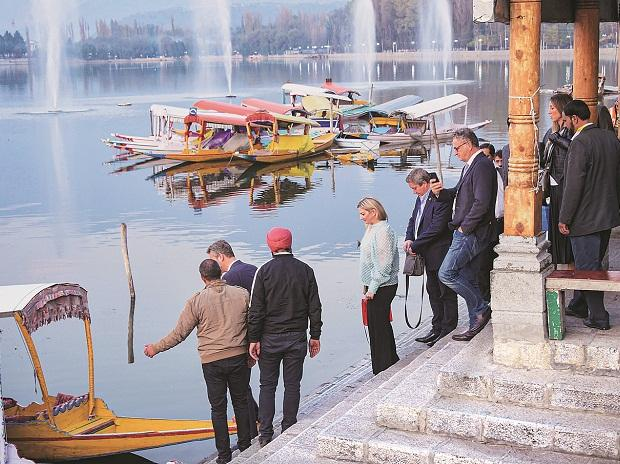 European Union delegation at Dal Lake