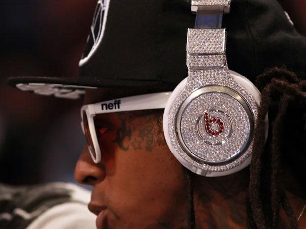 1 Mn Diamond Studded Beats Pro Headphones Head To Auction In New York Business Standard News
