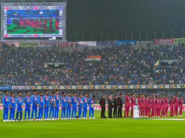 India vs West Indies 2nd T20 Live score:IND go for final flourish; Iyer OUT